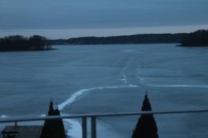 El lago amaneciendo