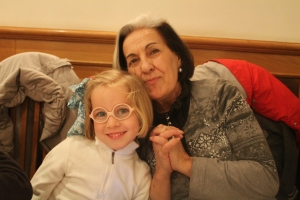 La abuela y Men